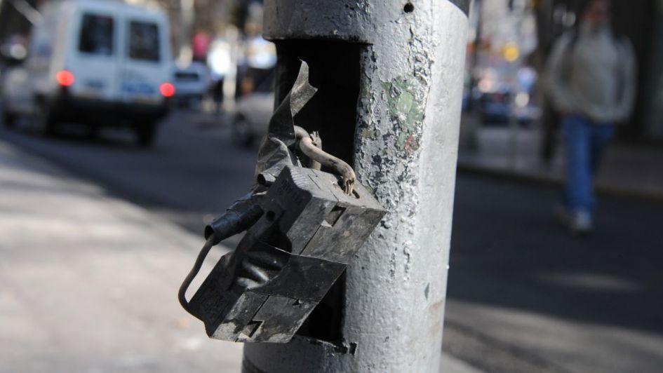 Un nene se electrocutó al tocar un poste de luz en Guaymallén y ahora lucha por su vida