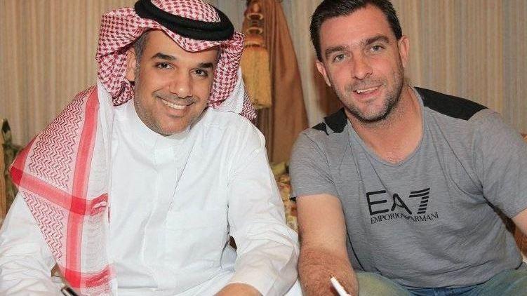 Tras su salida de Colo Colo, Pablo Guede dirigirá en Arabia Saudita