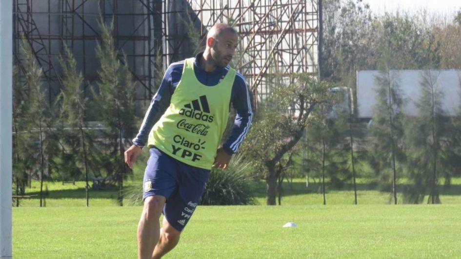 Mascherano, Agüero, Salvio, Lanzini y Tagliafico iniciaron la preparación en Ezeiza