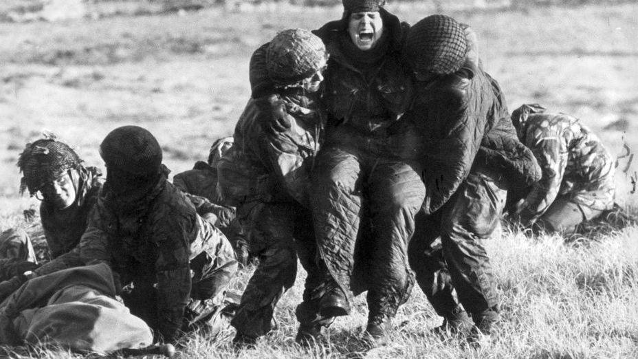 A 35 años de la guerra, piden detener a 26 militares acusados de torturas en Malvinas