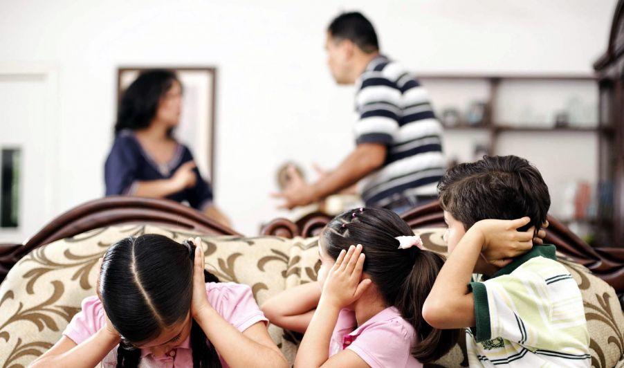 Hijos como botín de guerra: venganza entre padres