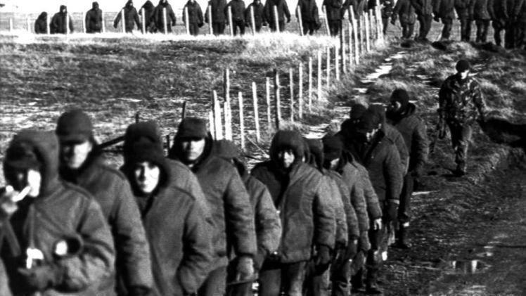 Malvinas: piden la detención de 26 militares por torturar soldados