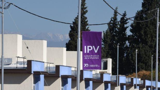 Bajó 17% la morosidad en las cuotas de las viviendas del IPV