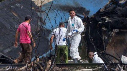 Poco después de despegar este viernes del aeropuerto de La Habana, el avión hizo un movimiento hacia la derecha y se desplomó al suelo.