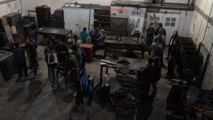 Uno de los talleres de la cárcel de San Felipe, en los que los internos aprenden o llevan a cabo distintos oficios.