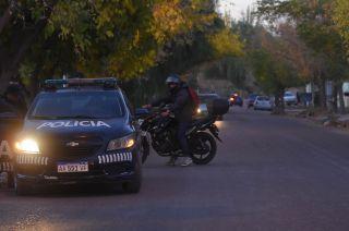 El detenido llevaba un revólver calibre 22 con 5 proyectiles en su interior.