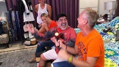 Maradona mostró su lujosa casa en Dubai con Marley y Mirko de invitados