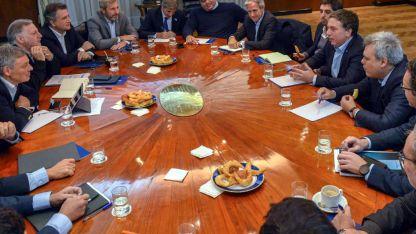 Los ministros con injerencia en la economía, reunidos con el coordinador Dujovne.