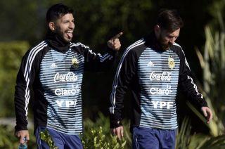 Agüero es uno de los futbolistas que no está en óptimas condiciones, aunque trabaja a la par de sus compañeros.