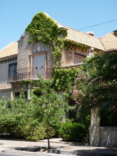 Las cuatro casas de Ramos Correas en la avenida Emilio Civit