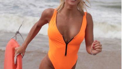A lo Pamela Anderson, con el look de