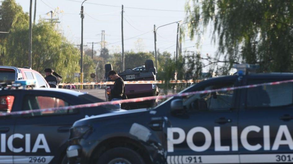 Apuñaló a su mujer embarazada, huyó en su camioneta y mató a dos policías en Luján