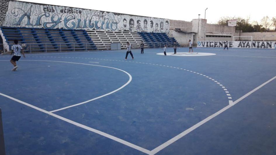 Atlético Argentino tiene su playón deportivo