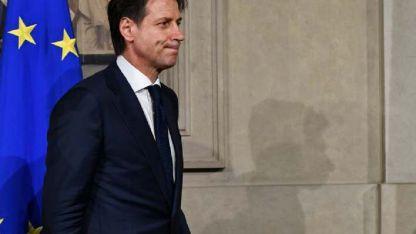 Giuseppe Conte sale del despacho de Mattarella.
