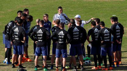 El DT argentino ha puesto mayor énfasis en el trabajo defensivo, luego de la caída ante España.
