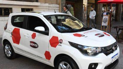 Fiat Mobi en la puerta de Los Andes