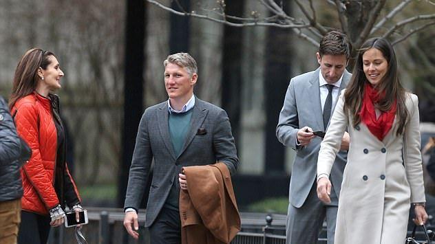 Técnico de Alemania restringirá el acceso de las parejas de los seleccionados