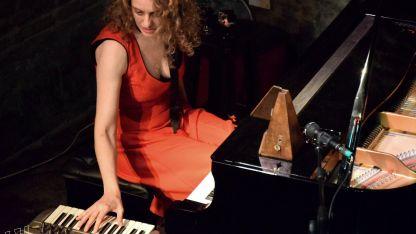María Laura Antonelli, pianista, arregladora y compositora.