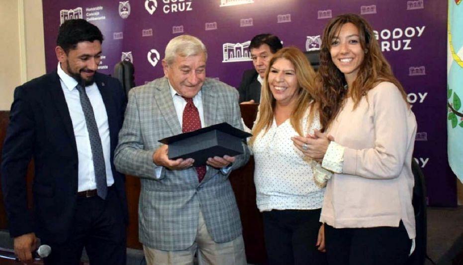 Godoy Cruz distinguió a sus vecinos honorables
