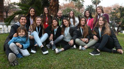 Las chicas estaban felices con sus medallas doradas. Este grupo es la primera vez que logra un torneo Argentino.