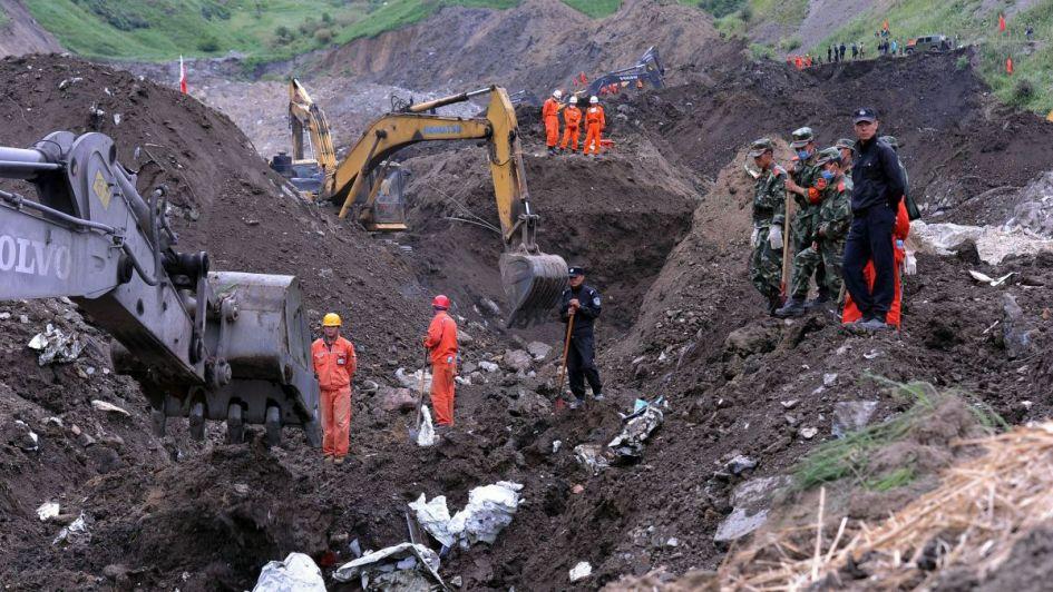 China: 11 muertos y 25 atrapados tras explosión en una mina