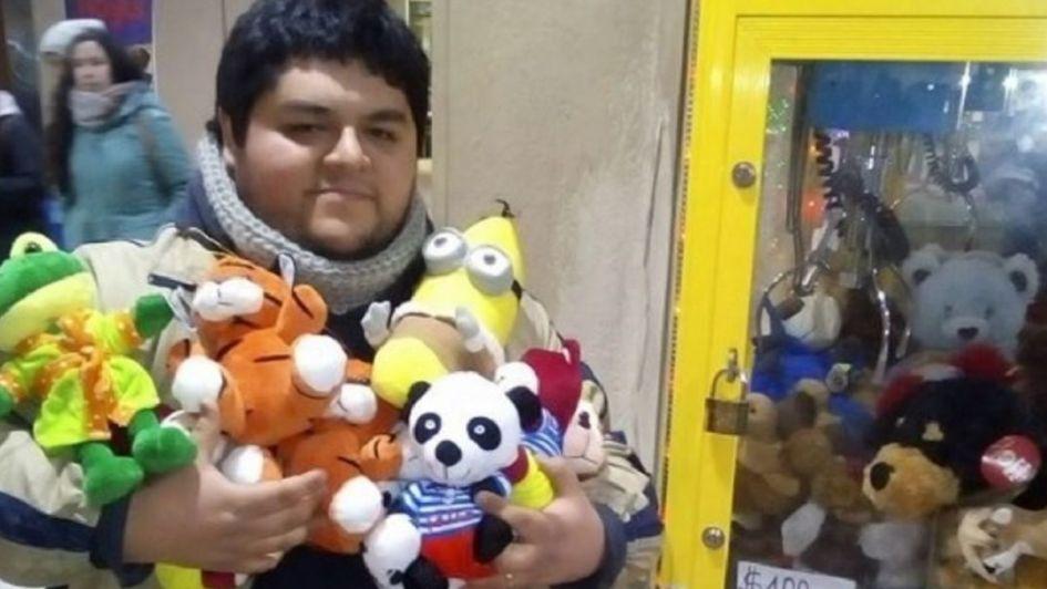 Este chileno reveló la fórmula para ganarle a la máquina de peluches