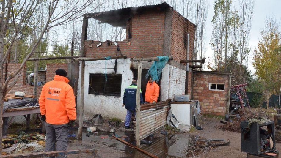 Tres niños internados en San Rafael a causa de un incendio en una precaria vivienda