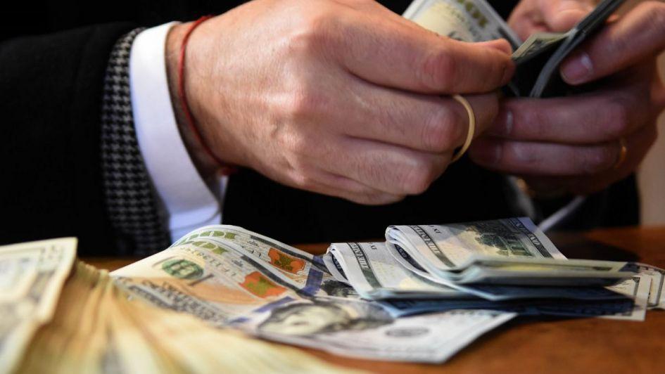 El dólar sigue en alza, pese a que el Central vendió reservas