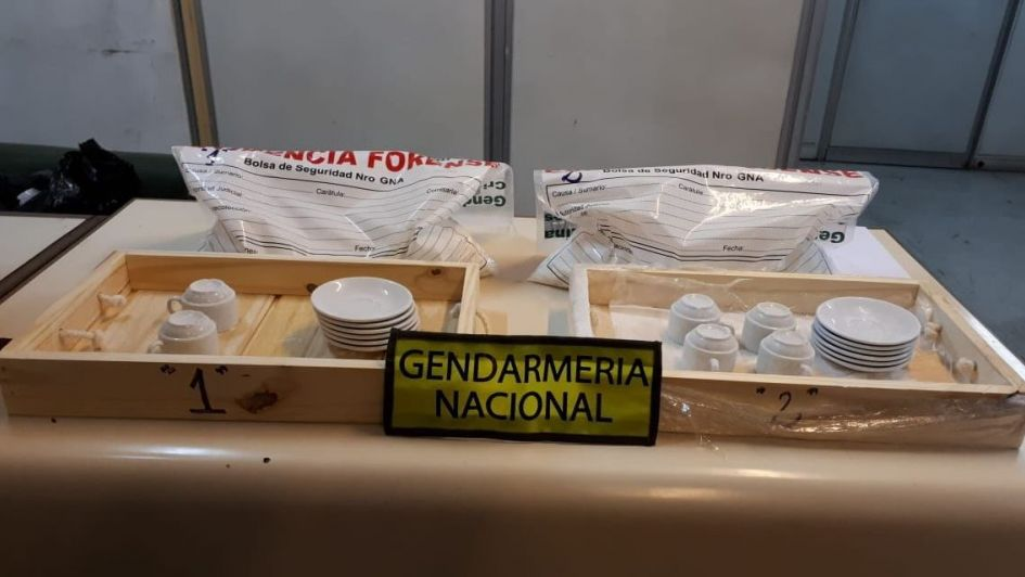 """Un """"desayuno"""" especial: incautaron 5 kilos de cocaína oculta en bandejas en la Terminal"""