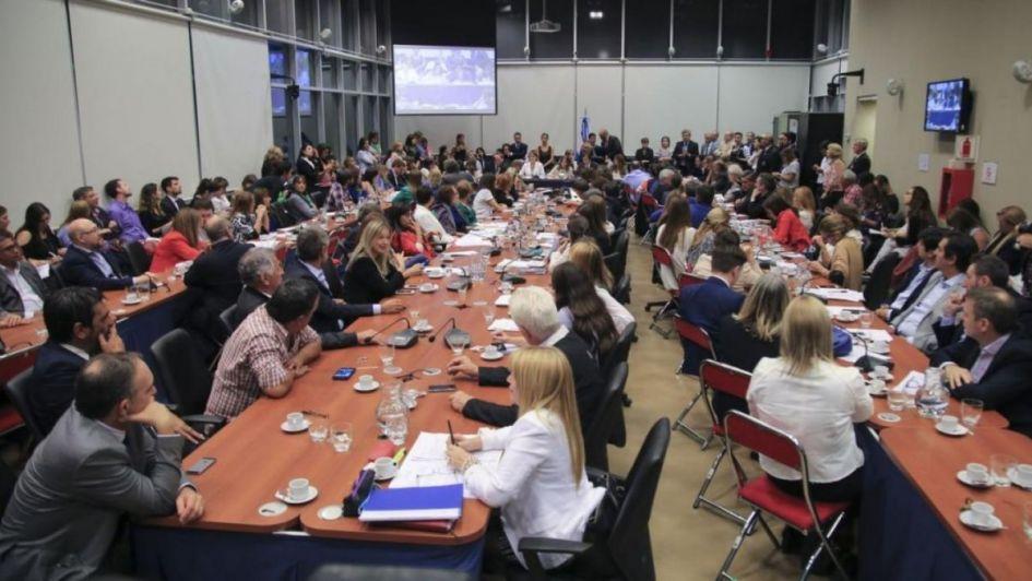 Diputados argentinos debaten proyecto sobre el aborto legal y seguro