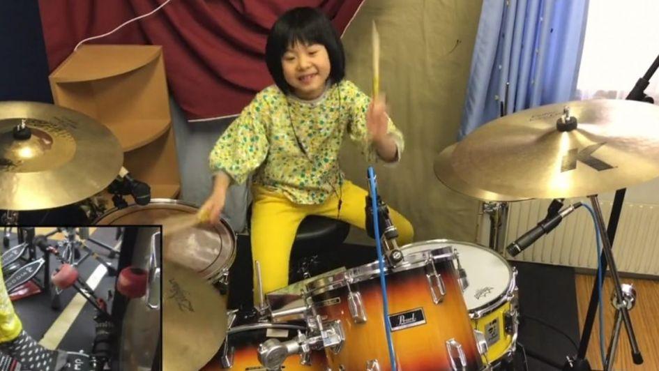 El increíble viral de una niña baterista de 8 años haciendo un cover de Led Zeppelin