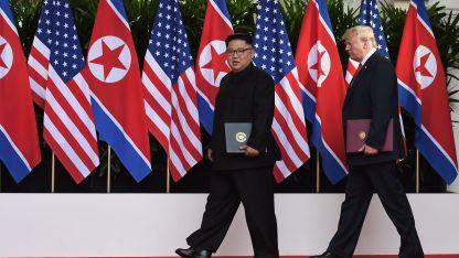 Tras meses de amenazas y bravuconadas, Kim y Trump se dieron la mano y dijeron que ayudarán a la paz mundial.