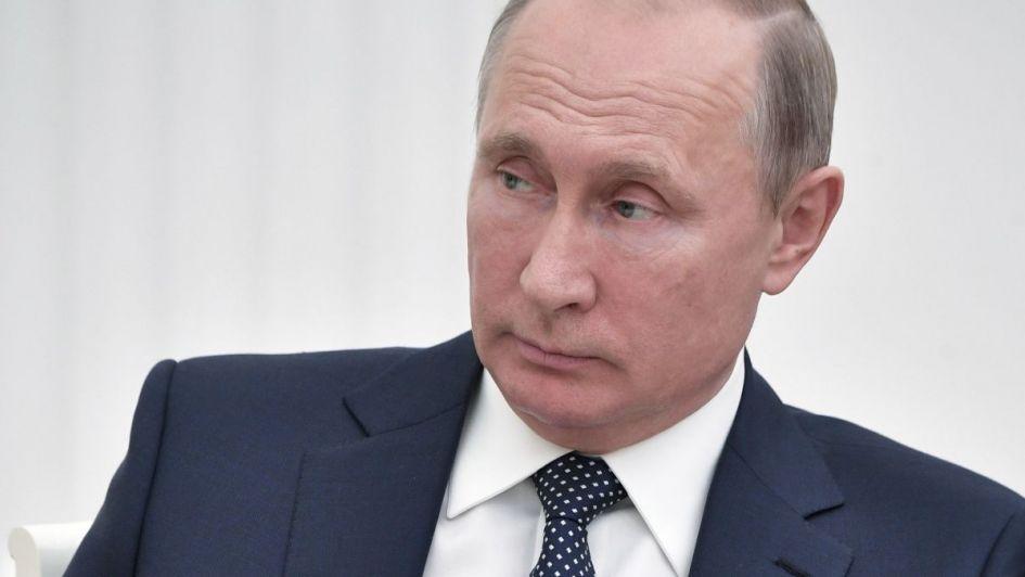 Dios le da pan al que no tiene dientes: a Putin no le gusta el fútbol