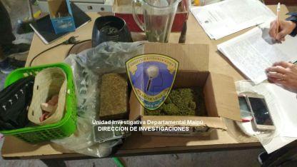 Los uniformados lograron secuestrar 4.468 kilogramos de marihuana, una licuadora y varios envoltorios plásticos