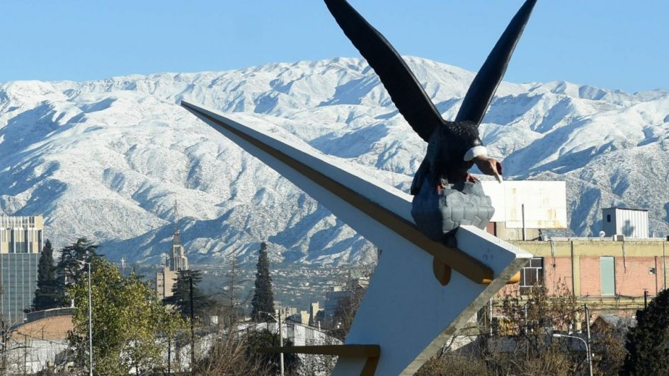 Anuncian un jueves gris con una mínima bajo cero en Mendoza