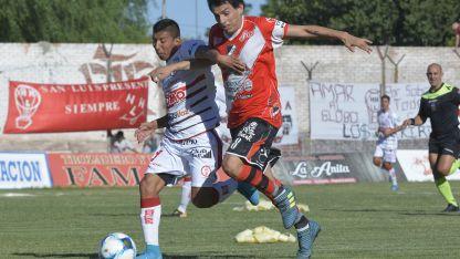 Maipú y Huracán deberán esperar hasta Septiembre para comenzar a jugar.