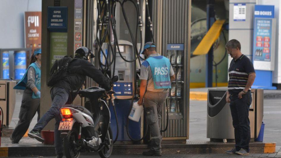 El paro de Camioneros afectaría el abastecimiento de combustibles y caudales