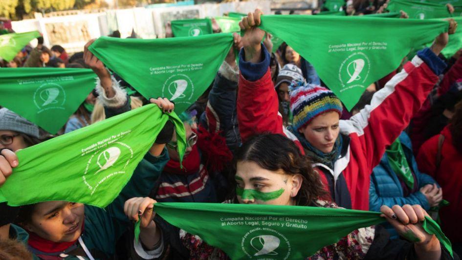 Las chicas de pañuelos verdes - Por Agustín  Haudet