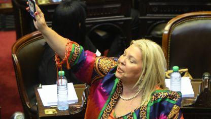 """""""Los llamo a llorar en silencio, a cambiar las cosas y cambiar Cambiemos"""", escribió la legisladora."""