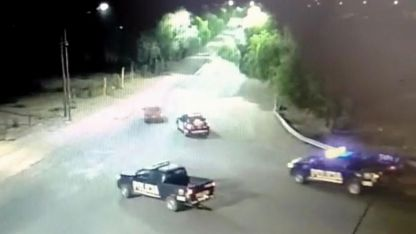 Al menos cinco patrulleros persiguieron al sospechoso.