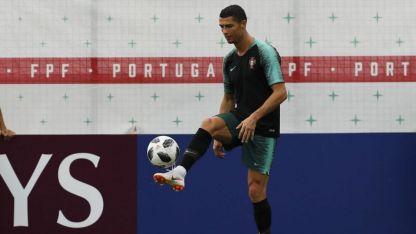 Portugal depende de Cristiano Ronaldo, su máxima figura, quien hoy será vital ante los marroquíes.