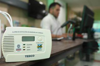 El sensor activa la alarma cuando detecta determinada concentración de monóxido en el ambiente.