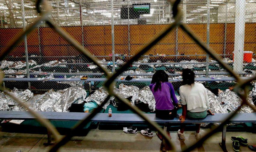 Trump dio marcha atrás y frenó la separación de familias inmigrantes
