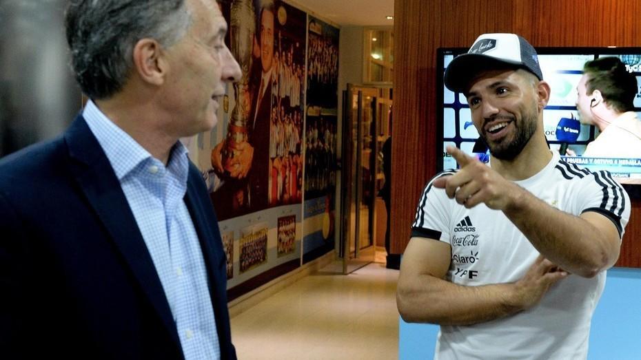 Deportivo: Macri le preguntó al Kun cómo está Messi