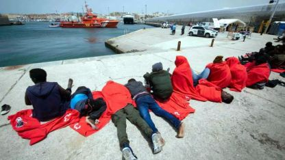 Solidaridad. En el puerto español de Tarifa recibieron a 418.