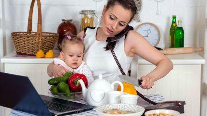 Lavado, planchado, limpieza de la casa y cuidado de los niños, las actividades que más recaen en ellas.