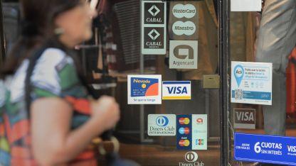 No pagar el mínimo o usar una sola tarjeta por familia, son algunas de estrategias de los usuarios.