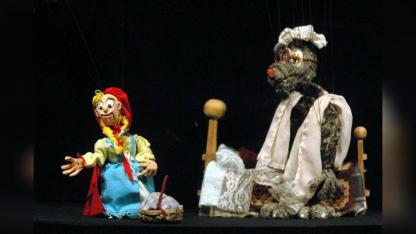 Como parte del festival se verá una versión para títeres del cuento de la Caperucita y el Lobo.
