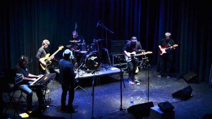 Músicos de la escuela de rock Mario Mátar