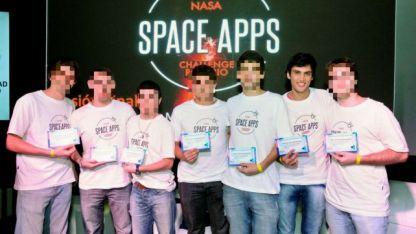 En 2016 resultó ganador, junto a otros seis estudiantes, de un concurso que fue organizado por la NASA.